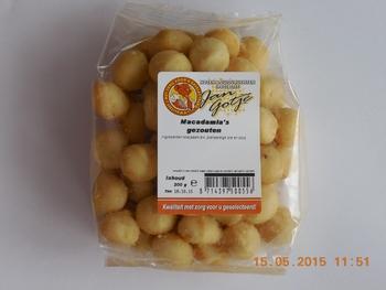 Macadamia's met zout 200 g x 6 st  Doos